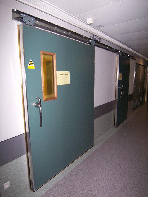 EMI / RFI skjermet skyvedør