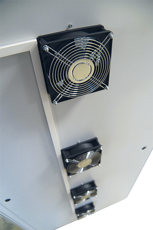 For extra power ventilation extra fans with shielded Honeycomb ventilation panels can be attached on the back of the rack